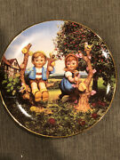 """Hummel 1991 """"apple Tree Boy And Girl"""" Limited Edition Collectors Plate Me4420"""