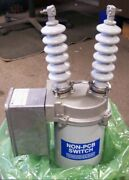 New Hubbell Power Systems Trinetics Csd-95 Oil Type Capacitor Switch 200a 120vac