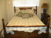 Queen Size 4-posts Bed Bedroom Set Solid Wood Antique Style