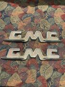 1955 1956 1957 Gmc Truck Fender Emblems Pair Used Chrome With Pitting Suburban
