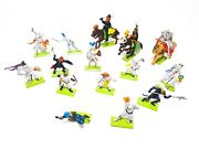 Lot Of 15 Britain Deetail Metal Stand Plastic Knights And Horses