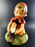 Vintage Porcelain Erich Stauffer Open Laces Girl Figurine Arked 8248 A37
