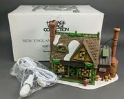 Dept 56 East Willet Pottery - New England Village 56578 New