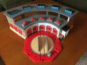 Thomas The Train Tidmouth Engine Shed Deluxe Roundhouse Station