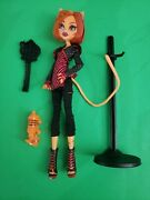 Toralei With Pet Sweet Fangs Monster High Doll 1st First Wave 2011brush And Stand