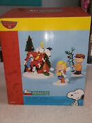 Dept 56 Peanuts A Very Snoopy Christmas 56.59092 New