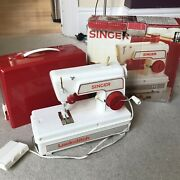 Vintage Singer Lockstitch Sewing Machine Childs Toy Boxed For Repair Parts Props
