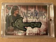 Walking Dead Hunters And The Hunted Weapon Medallion And Autograph Norman Reedus 1/1