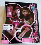 New Monster High Doll Draculaura's Sweet 1600 Birthday Party + Cake-present-key