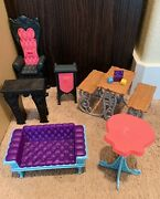 Monster High Deadluxe High School Furniture Lot Lunch Picnic Table Couch Chair