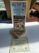 Topps Roberto Clemente Pirates Porcelain 1971 Baseball Card 630 W/stand And Box
