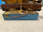 Athearn N Y C No. S34592 And Cbandq No.1943 Hoppers Lot Of 2