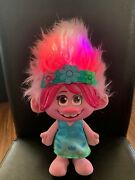 Trolls World Tour Color Poppin' Poppy Toy Sings And Lights Up