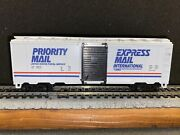 Ho Scale Usps Priority Mail Boxcar, All Steps And Brake Wheel, Us Postal Express