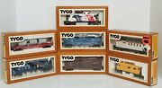 7 Ho Tyco Freight Cars 2 Caboose 2hopper 1 Skid Flat 1 Combine 1 Stock