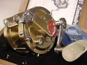 Used Heddon Dominator 400 Fishing Trolling Reel Red Emblem With Wooden Box
