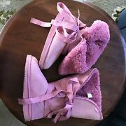 Emu Shearling Tie Boot. Pink. Size 8. Similar Uggs.