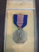 Ww2 Us Army Military Soldierand039s Medal Award Cased Set