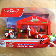 Disney Planes El Chupacabra Pit Row Gift Pack With Pitty Tent And Flag Diecast Set