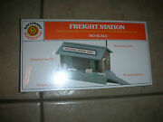 Bachmann Plasticville Ho Scale Freight Station - Easy To Assemble New G 74