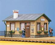 330902 Pola G Scale Kit Of Waiting Room - New
