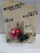 New Old Stock Micro Switch 5a Spdt Push Button Switch 1pb43