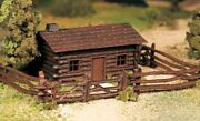 New In Box O/s Scale Plasticville Rustic Log Cabin With Fence By Bachmann