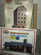2 N Scale Buildings From Model Power Suburban Ranch W/ Pool And Lil's Coffee Shop