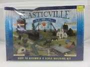 Plasticville Water Tower Ho Scale Model Kit 45978 Railroading New Old Stock