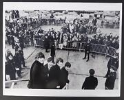 Photo Harry Benson - The Beatles At Kennedy Airport 1964