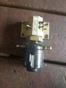 1998 Evinrude 150 175 Hp Ficht Oil Injector And Manifold Assy