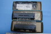 3 Athearn Ho   2 Covered Hoppers And 1 Tank Car Kit Union Pacific Up