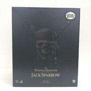 Hot Toys Captain Jack Sparrow Pirates Of The Caribbean Action Figure Used