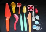 New Vintage Tupperware Hostess Gifts Gadgets Includes 3 Bowl And Seal Keychains