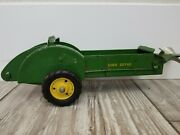 Vintage John Deere 10 Diecast All Metal Spreader