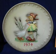 Plate Hummel Annual Plate 1974 Girl With Geese P0060