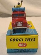 No.487 Old Style Corgi Toys Circus Landrover Parade Vehicle. Chipperfields. Ec.