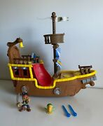 Disney Jake And The Neverland Pirates Musical/talk Pirate Ship Bucky W Figures