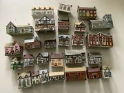 """Lot Of 27 Wade England """"whimsey On Why"""" Mini Porcelain Houses Cottages Village"""