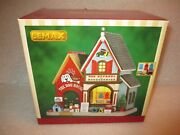 New Lemax 2015 The Dog House Apparel Shop Store Lighted Christmas Village House