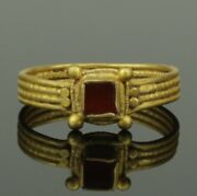 Ancient Merovingian Gold And Garnet Ring - Migration Period 6th/7th Century Ad