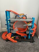 Hot Wheels City Ultimate Garage With Shark Attack