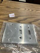 Hubbell Ss213 Wallplate 2 Switches And 1 Blank