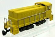 Z Scale Yellow Diesel Switcher Loco Painted/unlettered W/mkln Cplrstested Nib