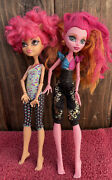 Mattel Monster High Dolls 2011 And 2012 Lot Of 2 Clawdeen And 13 Wishes Gigi
