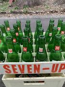 24 Vintage 7-up Bottles With Carrying Case. Great Display