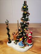 Dept 56  Village Square Town Tree 58644 Special Edition Lighted Street Lamp