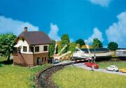 222170 Faller N-scale 1160 Kit Of A Level Crossing With Signal Tower - New