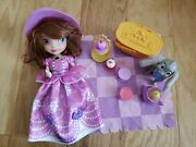 Disney Sofia The First Picnic Clover Special Edition Talking Doll