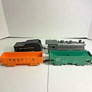 Mar O Scale Wind Up Train Set With 0-4-0 Locomotive With Tender And 2 Cars